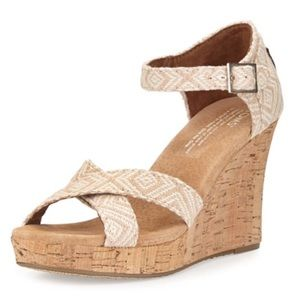 Like new! TOMS Strappy wedge sandals